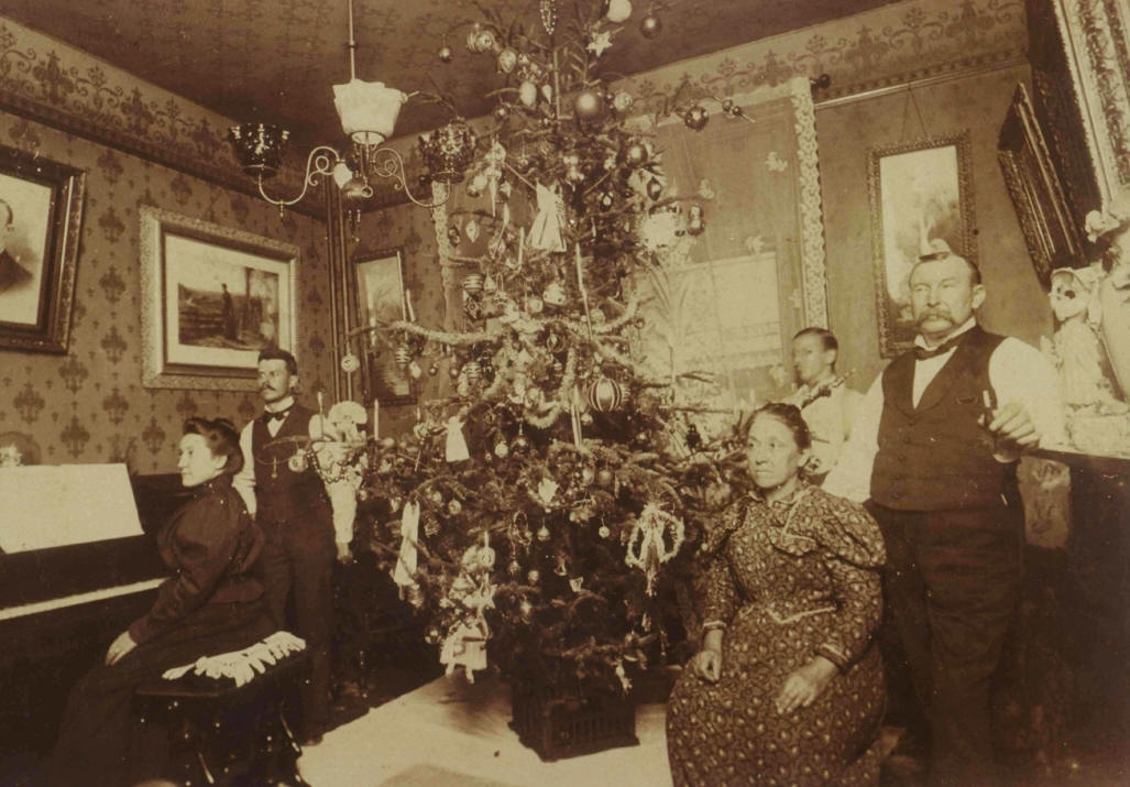 Old Fashioned Christmas Decorations vintage photographs